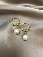 Load image into Gallery viewer, Astri - Baroque Pearl Earrings