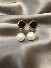 Load image into Gallery viewer, Veneri - 14K Gold Filled Baroque Pearl Earrings