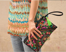 Load image into Gallery viewer, Ethnic Style Retro Embroidered Bag