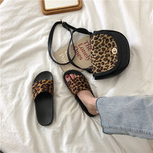 Load image into Gallery viewer, Retro Leopard Street Slippers
