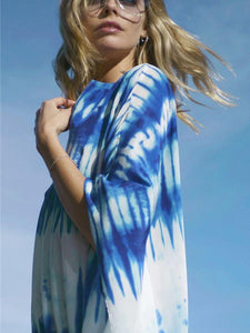 Blue and white blooming loose beach sunscreen shirt