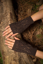 Load image into Gallery viewer, Half refers to the warm knit typing women s thick wool Half palm gloves - 2