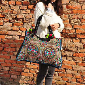 Yunnan ethnic style embroidered Pompom fashion lady shoulder bag big handbag