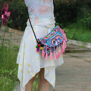 National Style Embroidery Canvas Tassel Shoulder bag
