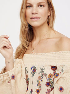 Embroidered Puff-sleeves Blouses&Shirts Top