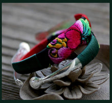 Load image into Gallery viewer, Ethnic Style Embroidery Handmade Bracelet