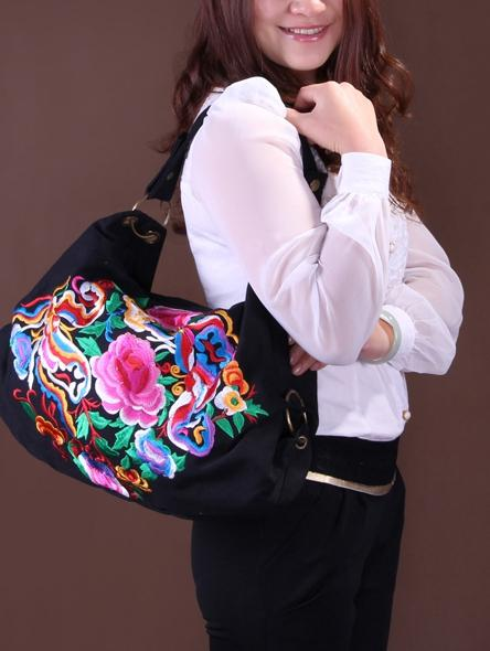 Vintage Canvas Ethnic Style Floral Embroidery Shoulder Bag
