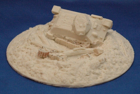 Terrain Flames of War Compatible 15mm Crater & Destroyed USSR T34 Tank Cast In Resin