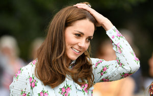 Kate Middleton Visits Mosque With Pakistani Dress & Headscarf Designed For Her