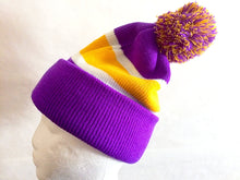 Load image into Gallery viewer, Cuffed Beanie With Pom Pom