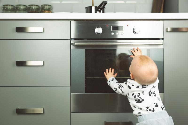 What Moms Should Know About Making a Kid-Friendly Kitchen