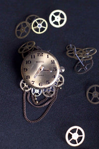 """Mechanical"" brooch - Dial"