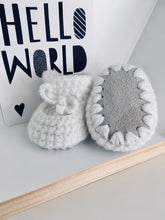 Load image into Gallery viewer, Crochet Baby Booties