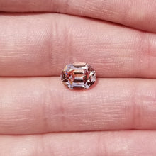 Load image into Gallery viewer, 4.09ct Peach Mahenge Garnet