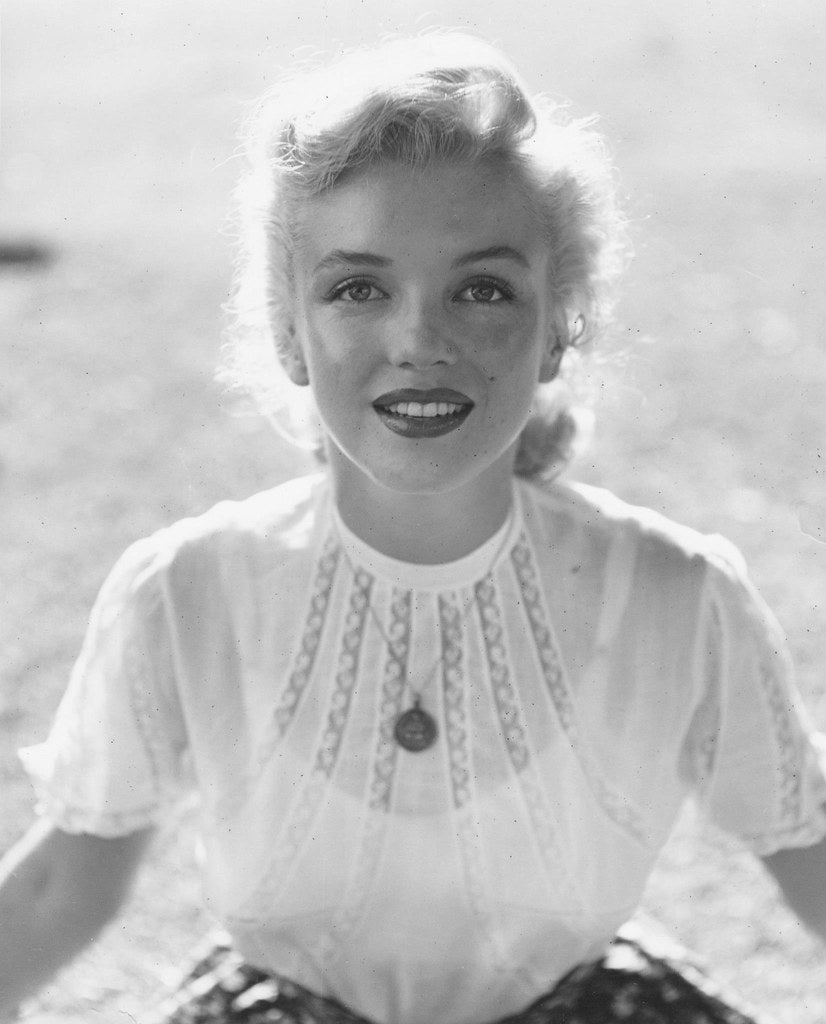 Rare black and white picture of Marilyn Monroe | Talsam, smart jewelry