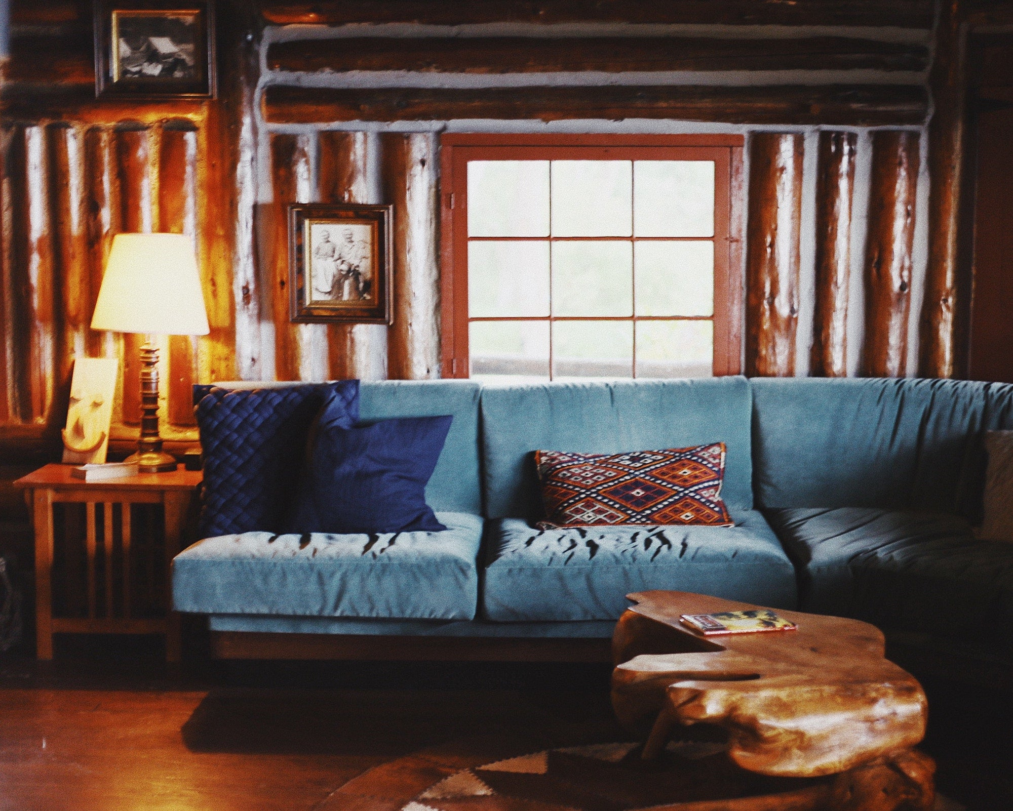 Hygge Life: a blue sofa in a Scandinavian living room | Talsam