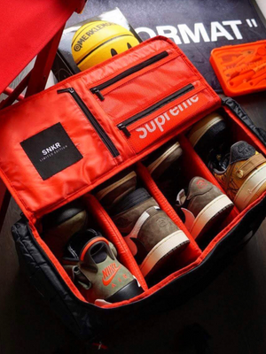 SNEAKER DUFFLE FLIGHT BAG