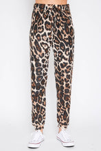Load image into Gallery viewer, leopard joggers