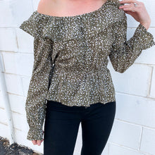 Load image into Gallery viewer, olive cheetah peplum
