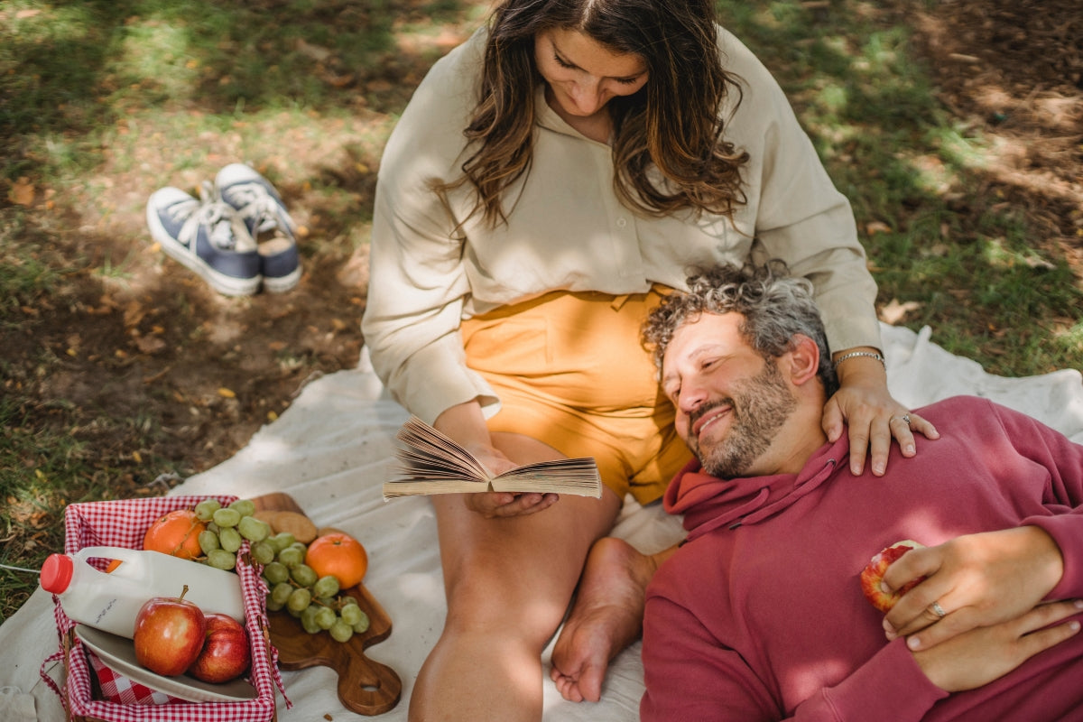 Stress-free, healthy couple in the park