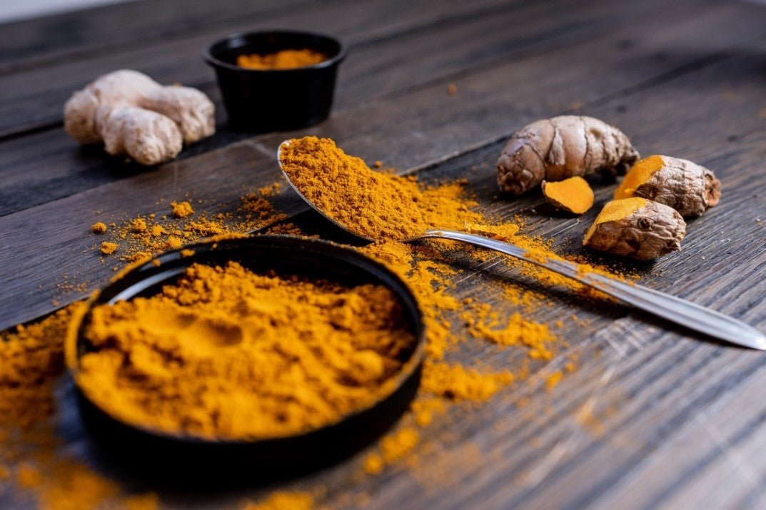 Ground turmeric and ginger