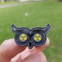 PhotonPhreaks pHowl Pin with Glow in the Dark TriplEyes - Flashlight Pin