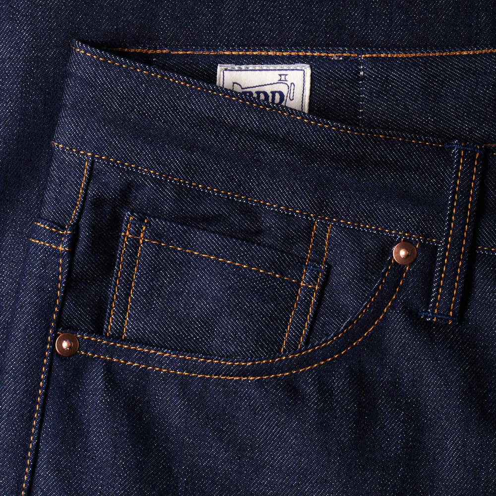 men's tapered fit italian selvedge denim jeans | benzak B-03 TAPERED 13 oz. indigo selvedge | Candiani | coin pocket