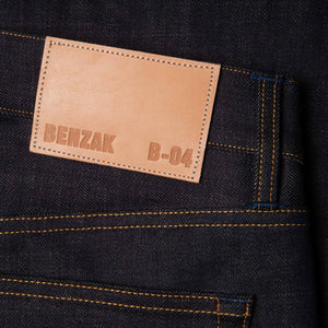men's relaxed fit italian selvedge denim jeans | benzak B-04 RELAXED 13 oz. brown cotton selvedge | leather patch