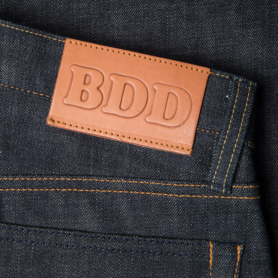men's tapered fit japanese selvedge denim jeans | indigo | benzak BDD-711 green cast 15 oz. RHT | leather patch
