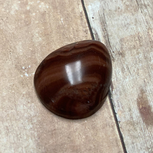 DOLOMITE TEARDROP CABOCHON. BROWN. TAN. 22MM X 19MM x 6MM.