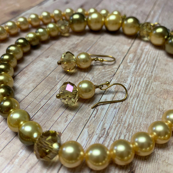 GLASS PEARL NECKLACE EARRINGS. OLIVE. BUTTER YELLOW.