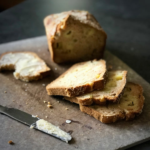 Cider bread with cheddar, apple and thyme