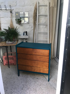 Commode bleu paon