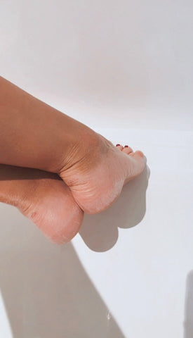 exfoliating effect foot mask from Iroha