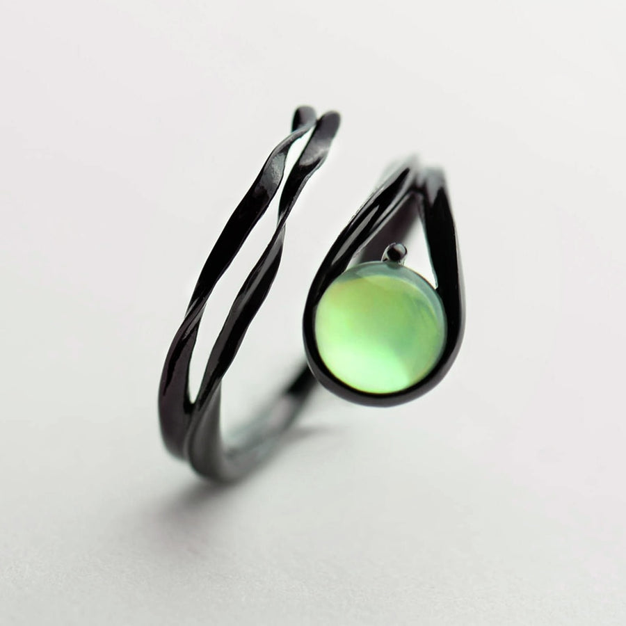 Flying Meteor Ring · Sterling Silver & Chalcedony Emerald