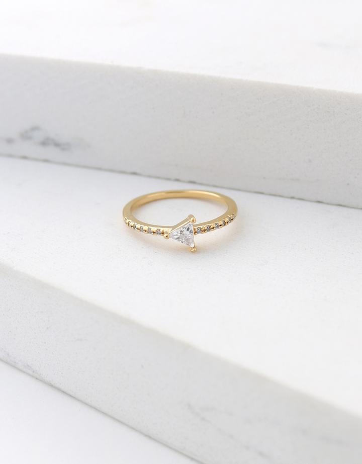 On Point Ring Size 7 - Gold