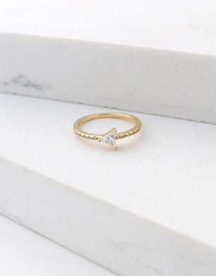 On Point Ring Size 6 - Gold