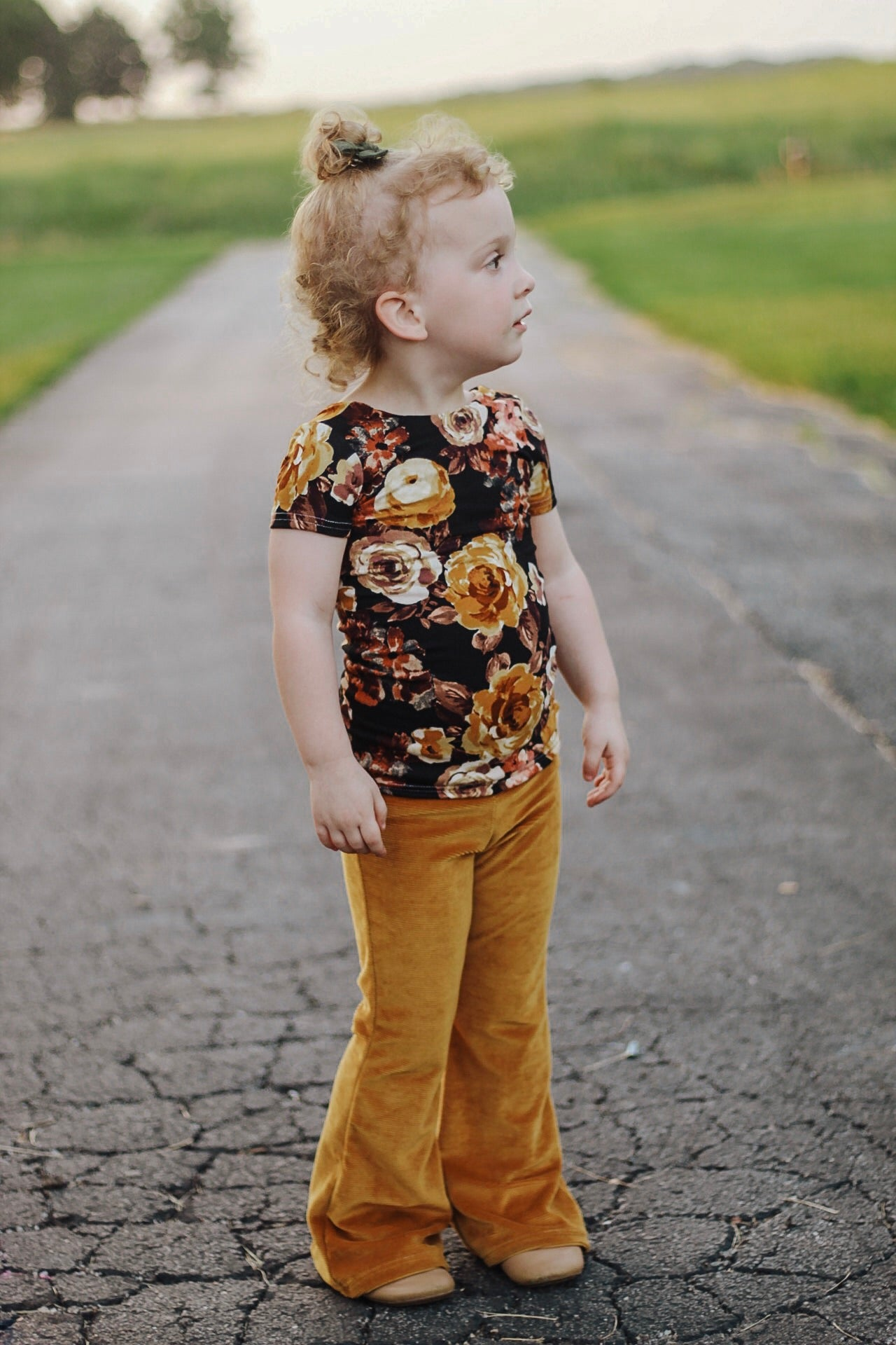 Fall Mustard On Black Fitted Top