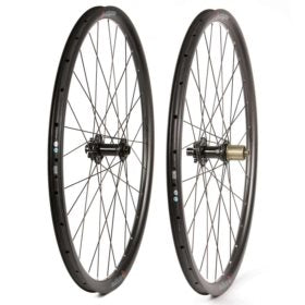 Eclypse S9 Gravel 700C Wheel Front and Rear 700C / 622 Holes: F: 28 R: 28 12mm TA F: 100 R: 142 Disc Center Lock Shimano HG 11 Pair