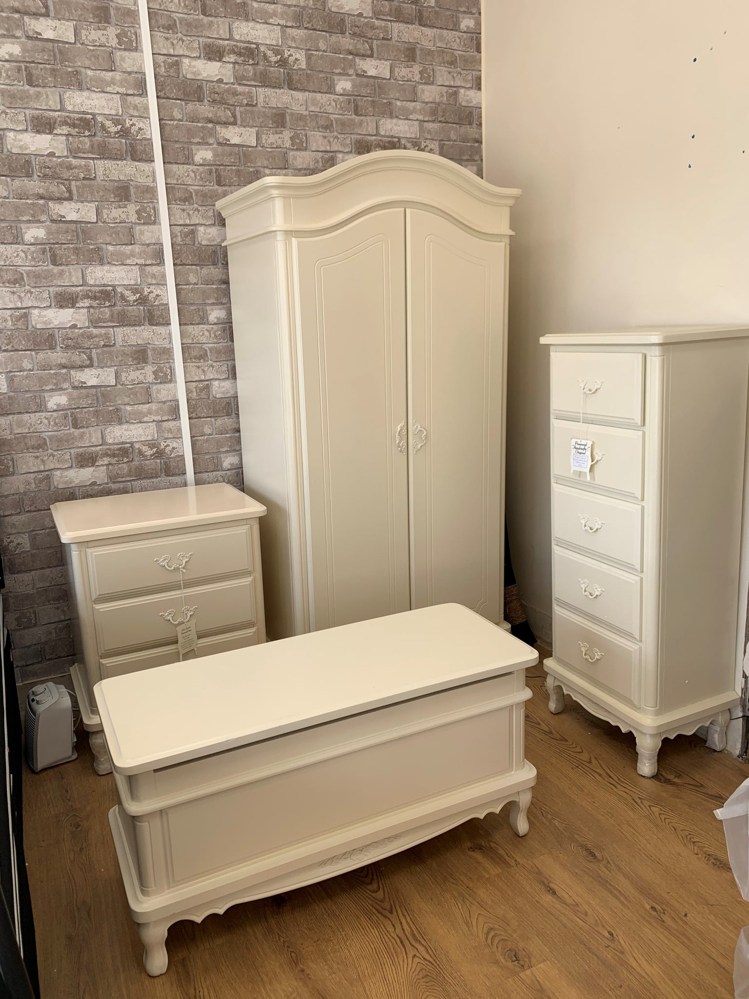 Montrose Provencal Ivory French Style Bedroom Set