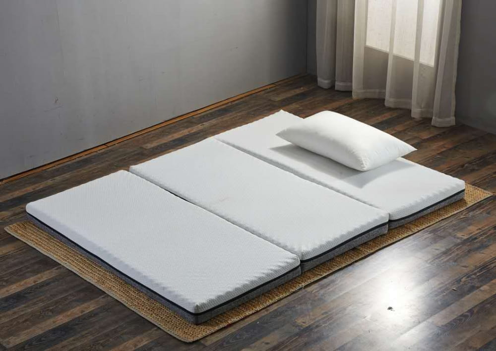 ecolatte-elite-3-fold-mattress-on-the-floor