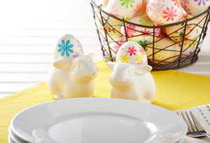 Crafty Easter Centerpieces Made From Recycled Materials