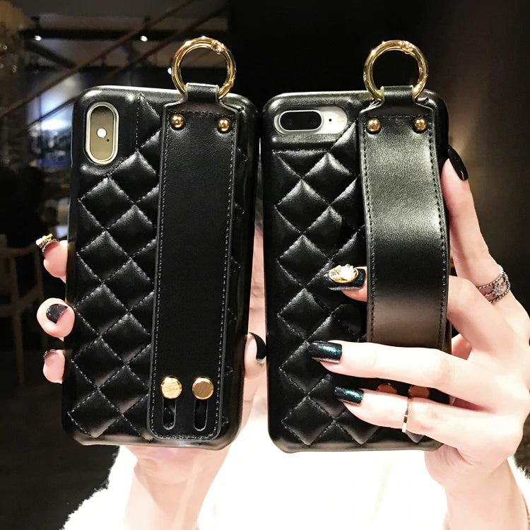 Stylish Street Fashion Luxury Diamond Padded Black Leather Case For iPhone X XS Max XR 8 7 6S With Wrist Strap PU Fashion Case For iPhone