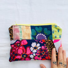 Load image into Gallery viewer, Patchwork Fabric Remnant Purses