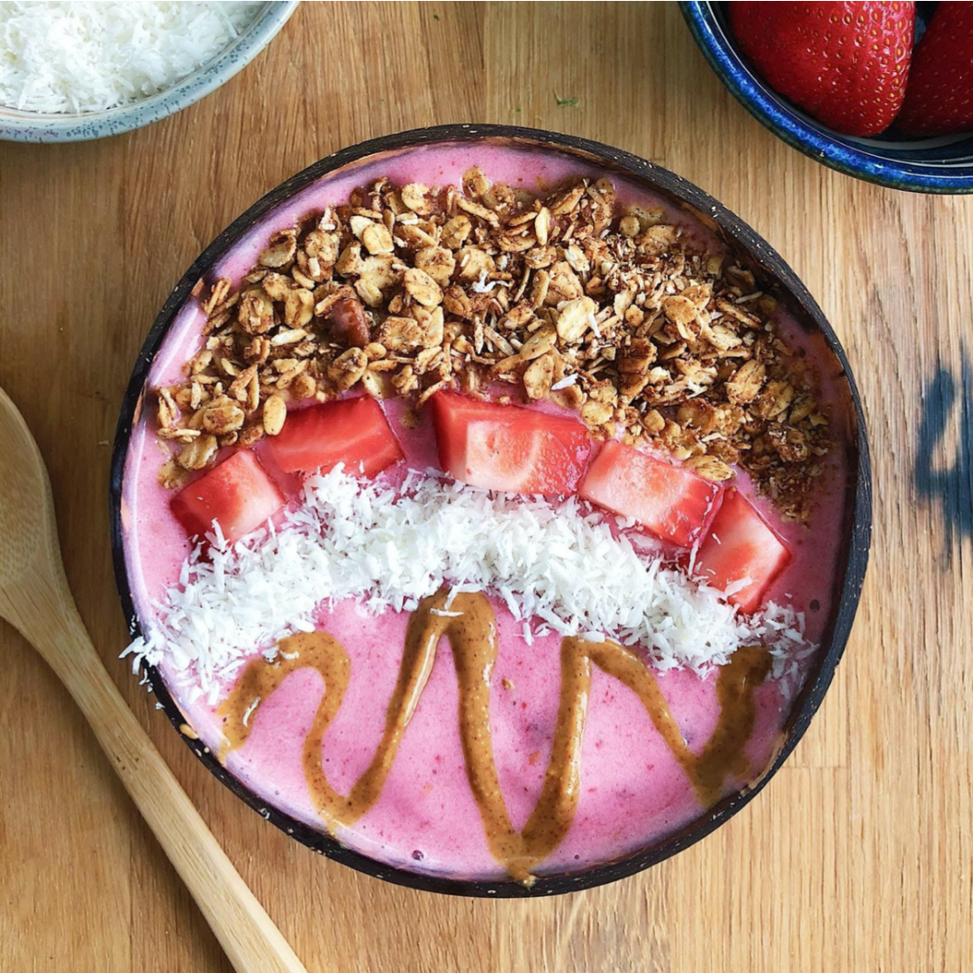 Raspberry Banana Smoothie Bowl