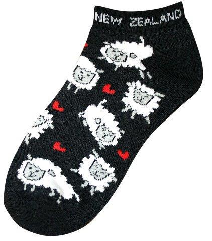 Pk-55252 - Ankle Socks Sheep Hearts Black - New Zealand Gifts & Souvenirs
