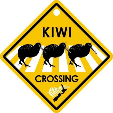 PK-82216 - Roadsign Kiwi Crossing - New Zealand Gifts & Souvenirs
