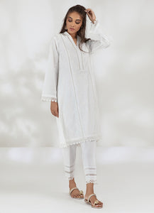 CLASSIC WHITE KURTA (2-5 weeks delivery)