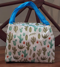 Load image into Gallery viewer, Insulated Lunch Bag -Cactus