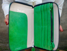 Travel wallet in Green Java Leather